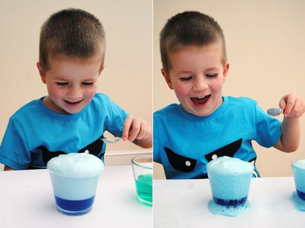 Manualidades para niños, ¡espuma mágica!