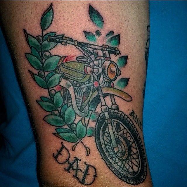 m s de 1000 ideas sobre dirt bike tattoo en pinterest tatuajes de bicicleta tatuajes de. Black Bedroom Furniture Sets. Home Design Ideas