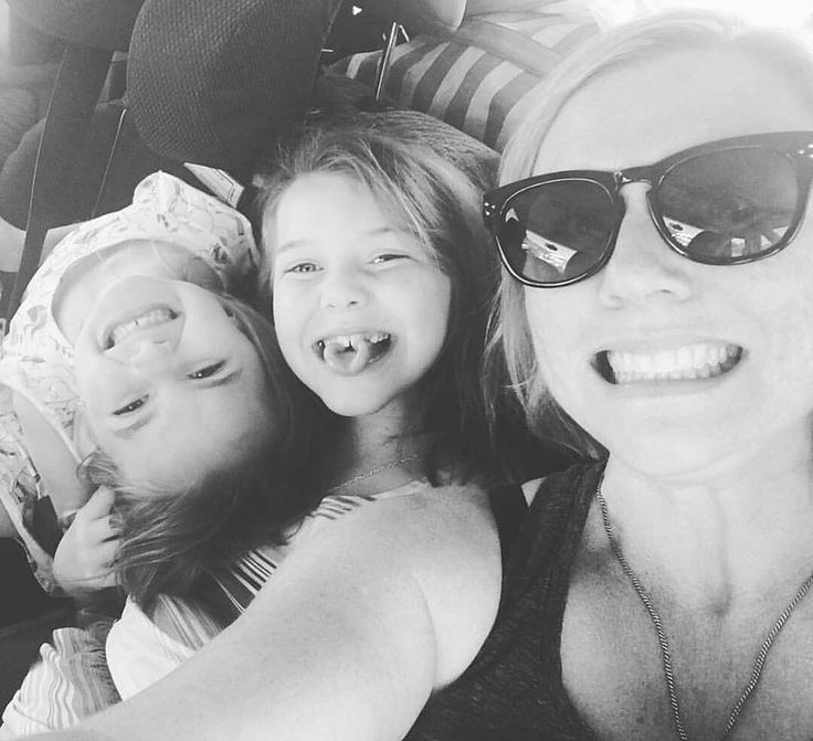 Stacey is an under construction fit mum and blogger sharing her story. She has lifestyle programme that is family friendly and helping families live diet free.