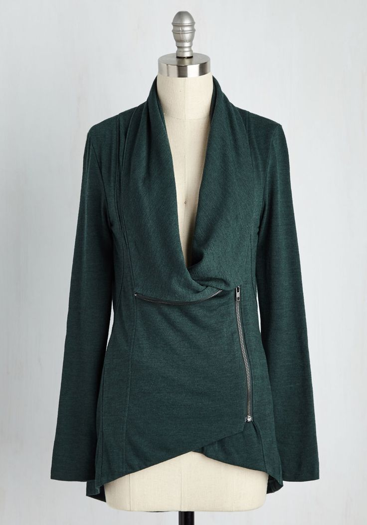 A bit in love with the look of this. [Airport Greeting Cardigan in Forest. #modcloth]
