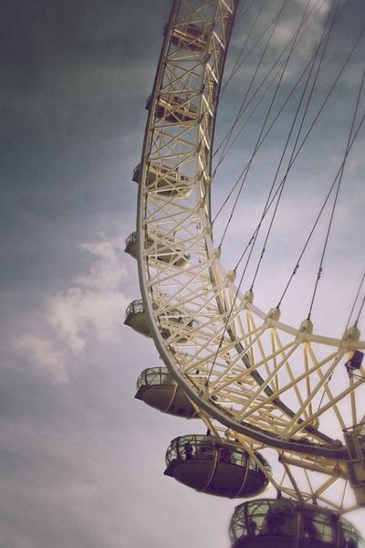 La Ruleta De La Fortuna Una De Mis Atracciones favoritas en las ferias ademas de la silla voladora