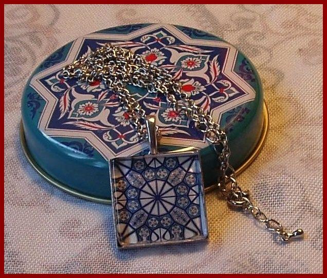 Török mintás ékszerek. Istanbul nevezetességei medálokon, gyűrűkön, ékszer szetteken. Egyedi, kézműves ékszereink aktuális választékát itt találodt:  https://www.facebook.com/Melda-Alkot-1661800240703962/photos/?tab=album&album_id=1661809190703067