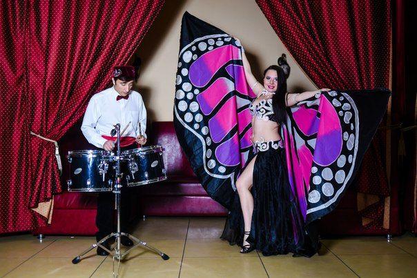 Красивый танец живота с крыльями бабочка!! На фото обворожительная Анастасия!! Крылья-наша работа! Цвет крыльев выполним по вашему желанию!