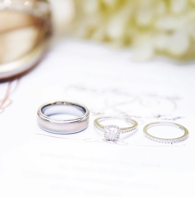 Did You Know The History Of Wedding Rings Dates Almost 5000 Years During Ancient Egypt Times People Would Weave Leat Wedding Rings Rings Senior Model Shoot