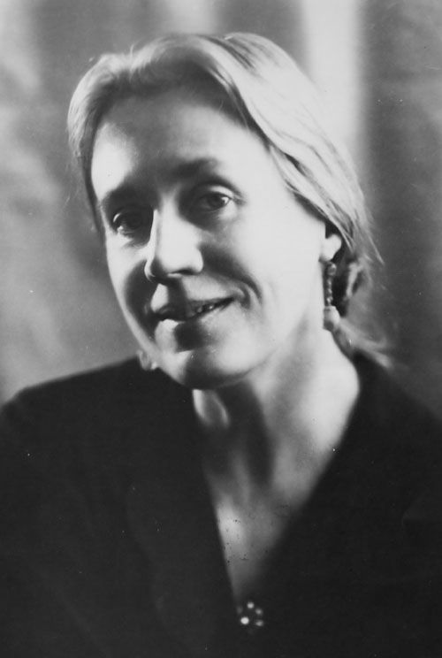 Venassa Bell, 1932    Another of the Bloomsbury Group from Cambridge in the 1930's and Virginia Woolf's sister. She was married to Clive Bell, and they had two sons - Quentin and Julian.  Portrait Photograph by Lettice Ramsey.