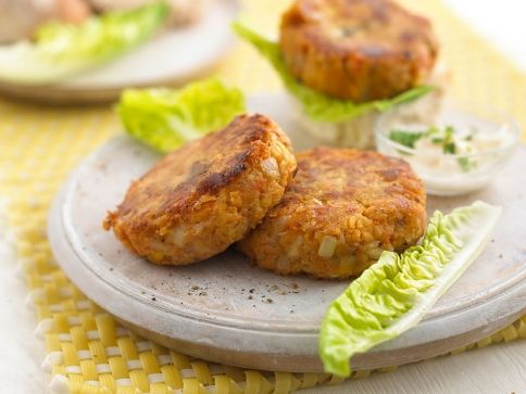 cheesy vegetable & cashew nut burgers - substitute flour of gluten free flour or almond flour #kidfriendly