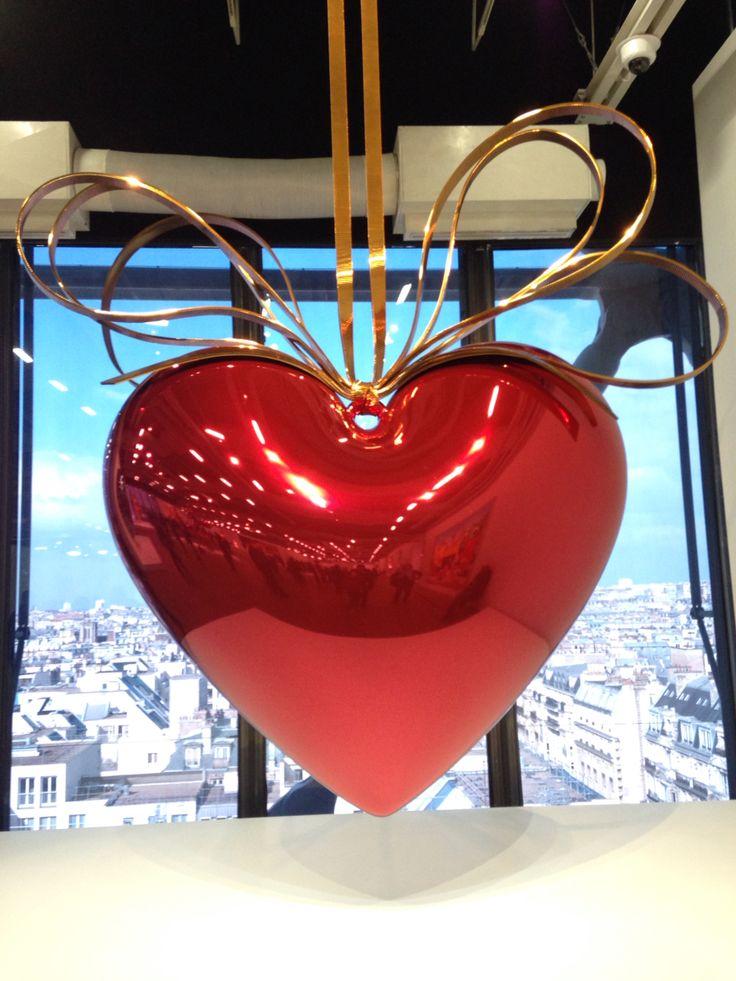 Bug heart Big present Big love Big art. Yes, big is the word! Jeff Koons