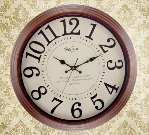 Genuine large European retro wall clock mute creative home decoration brown wall clock Solid wood high quality 16 inches