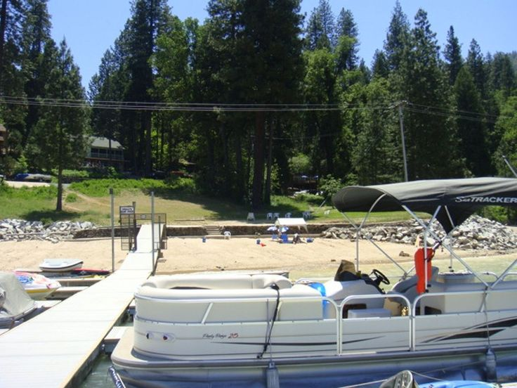 427817 lake front cabin with boat slip