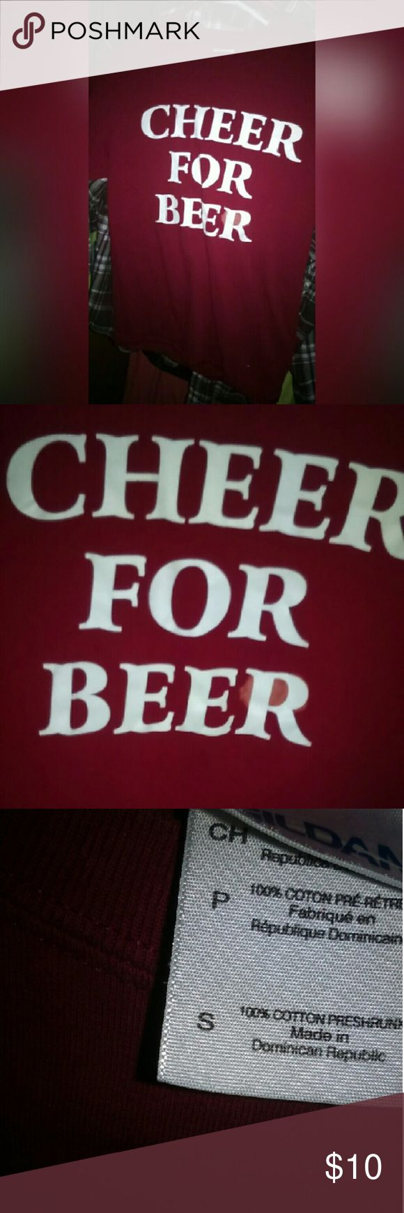 A cheer for beer shirt. It has a stain by the R other than that it's fine. It's a small. Tops Tees - Short Sleeve