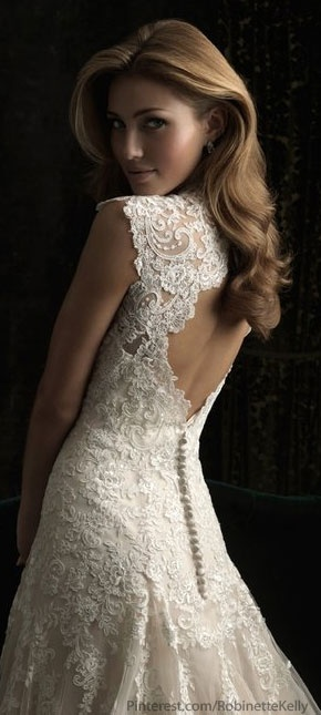Allure Bridals 8965 Vintage Lace Wedding Dress (Keyhole and buttons)