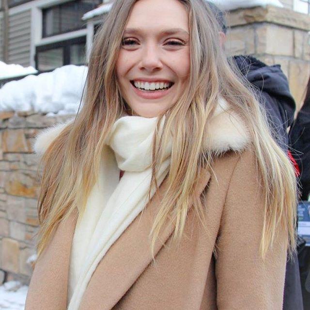 Elizabeth Olsen y su bella sonrisa!