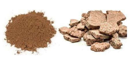 Rhassoullera även kallad rasul är en mild och välgörande lera från Marocko som är rikt på mineraler. Leran verkar djuprengörande och porsammandragande för din hud, samt ger ditt hår glans och volym.