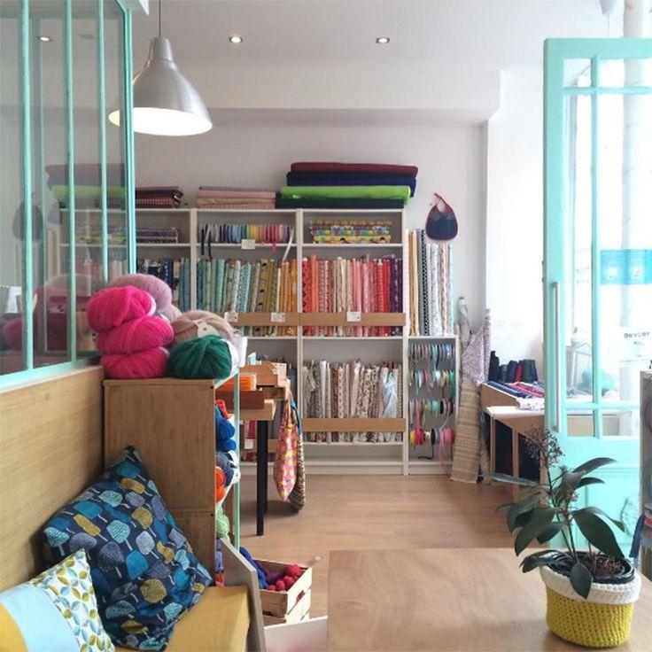 les 25 meilleures id es de la cat gorie tissus paris sur. Black Bedroom Furniture Sets. Home Design Ideas