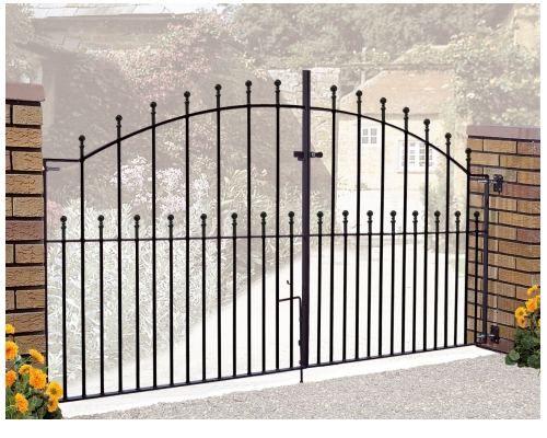 Best 25 iron gates driveway ideas on pinterest metal for Aluminum driveway gates prices