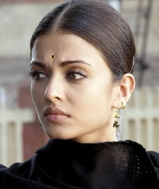 The natural beauty of Aishwarya Rai without makeup Aishwarya Rai Bachchan is the Indian desi beauty which got praised by people of every cou...