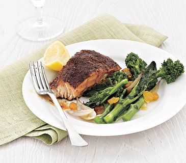 Blackened Salmon With Broccoli Rabe (a month of 400 calorie dinners)Healthy Meals, Broccoli Rabe, Breast Cancer, Blackened Salmon, Healthy Eating, Salmon Recipe, Calories Dinner, Food Recipe, 400 Calories