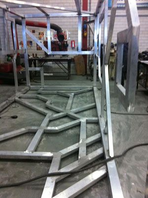 Sculptuur voor de binnenplaats RET krijgt vorm. Vollmer & Partners