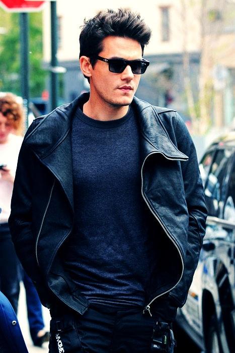 John Mayer... i absolutely LOVE HIM!!!!