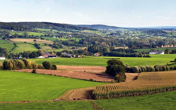 Heuvelland vol met nostalgische dorpjes en authentieke stadjes http://grensheuvel.blogspot.com/2016/10/heuvelland.html?utm_source=rss&utm_medium=Sendible&utm_campaign=RSS