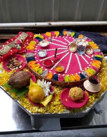 186 best ganpati decoration ideas images on pinterest for Aarti thali decoration ideas