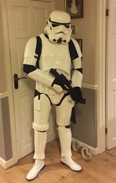 www.stormtrooperstore.com - AWESOME!