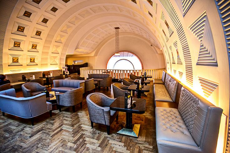 The Gallery Café of the Restaurant ARAZ leads its guests to the top of the coffee culture