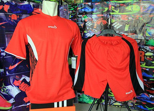 Setelan Kaos Specs Merah Rp 80.000