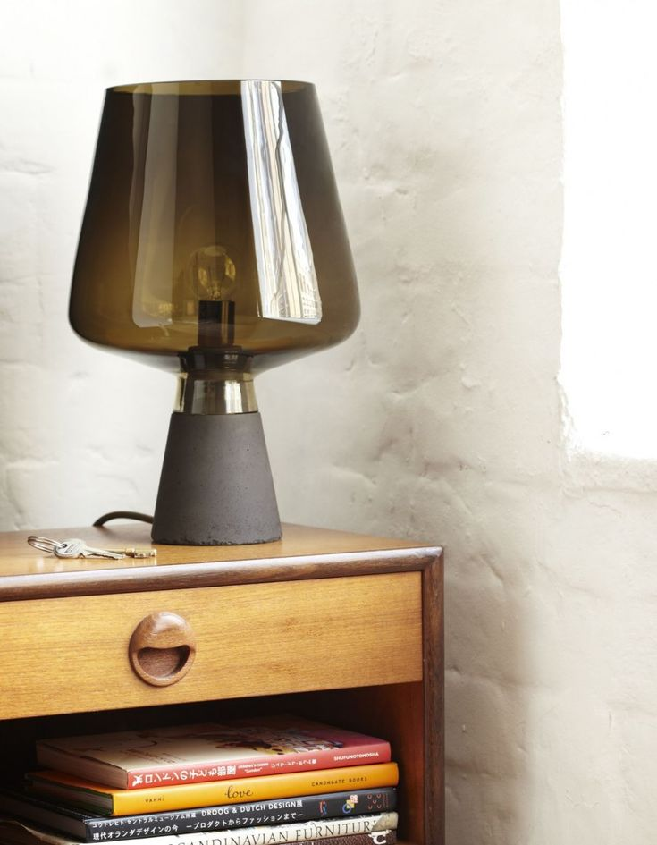 London-based designer Magnus Pettersen makes his debut at 100% Norway with the Tint lamp which uses concrete and glass.