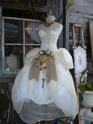Barn Chic Antiques: :love this dress and will definitely wear it for my wedding if I were still young #Brides #Weddings