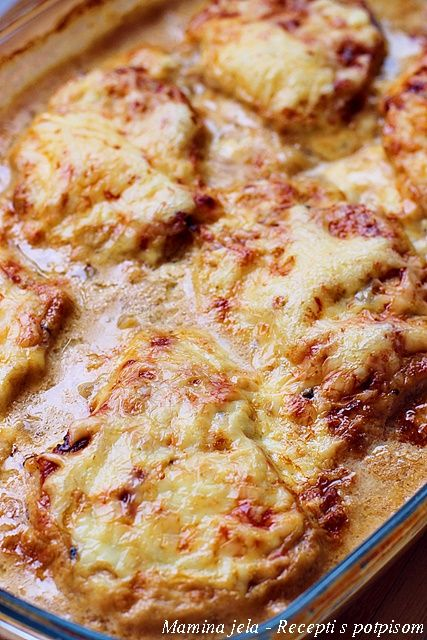 Mamina jela: Sočne šnicle i krompir iz rerne u finom saftu