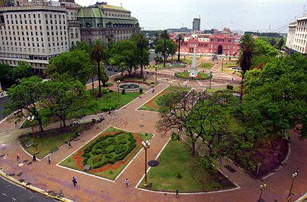 Plaza de Mayo, Buenos Aires    Google Image Result for http://4.bp.blogspot.com/-8BnoGt3tJKk/TykSEoIro6I/AAAAAAAABc0/XPjbjX1Mffs/s1600/plaza-de-mayo-buenos-aires%2B(1).jpg