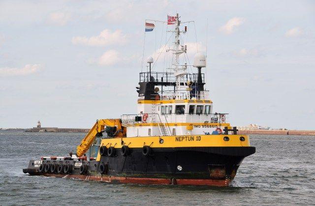 KOOPVAARDIJ sleepboot NEPTUN 10  Gegevens en foto, klik ▼ op link  http://koopvaardij.blogspot.nl/p/sleepboot.html