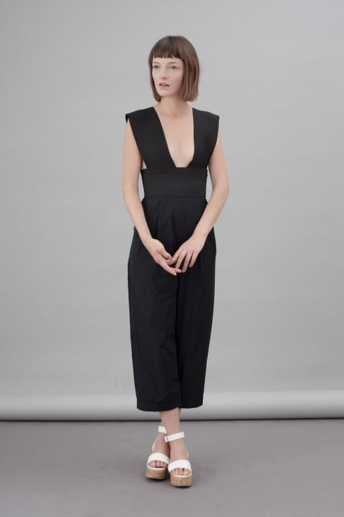 'VOGUE' OVERALL  Flavia La Rocca  Two-piece black overall comprising a two removable suspenders made of elastic bands that create a regular v-neck top.  #flavialarocca #cotton #blackdress