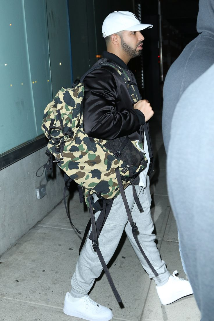celebritiesofcolor: Drake leaving a recording studio in New York