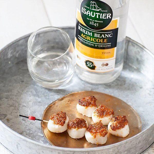 #apero time! Pour aller avec l'excellent #rhum @isautier des #stjacques en croûte de paprika #recette #seafood sur #panierdesaison #blog #food lien dans ma bio