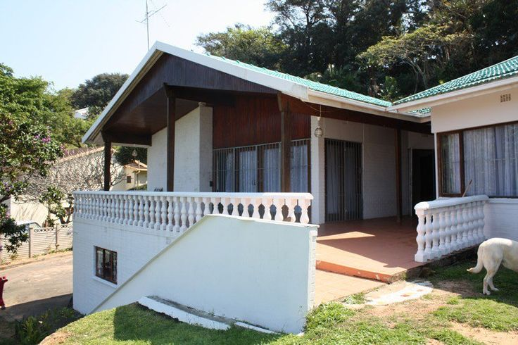 C-View - C-View is a comfortable self-catering home situated in the beautiful coastal town of Margate. The house offers comfortable fully furnished accommodation for up to 10 guests and is fully equipped for self-catering.The ... #weekendgetaways #margate #southcoast #southafrica