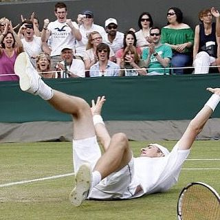 In preparation for the U.S. Open next week a throwback to John Isner's 11 hour 70-68 in the fifth triumph against Nicolas Mahut at Wimbledon 2010. If you can spot me I'm sure you can work out who I was supporting! #tennis #tbt #sport #wimbledon #usopen #record #lta #isner #crowd #spectator #england #epic #winner @atpworldtour