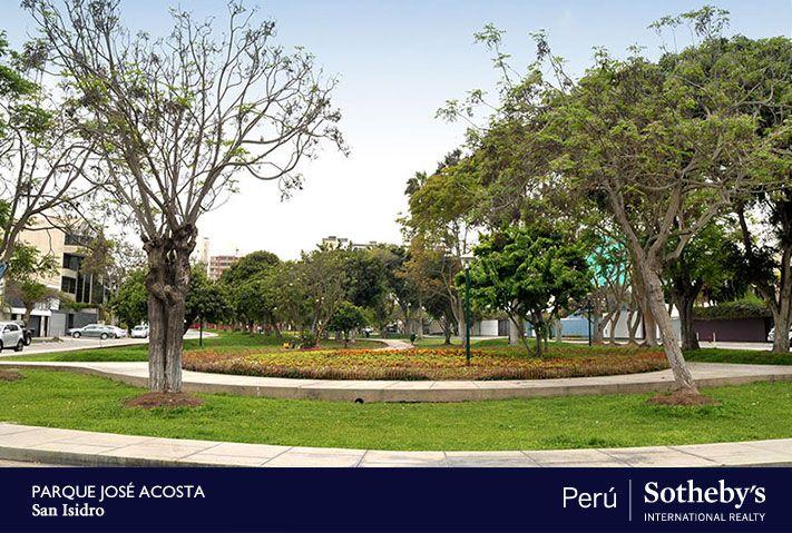 Elegante flat de estreno de 200m2 frente a tranquilo y exclusivo parque en San Isidro.   El edificio tiene solo seis departamentos en total.    Mayor información:   http://www.sothebysrealtyperu.com/propiedades/4048904980
