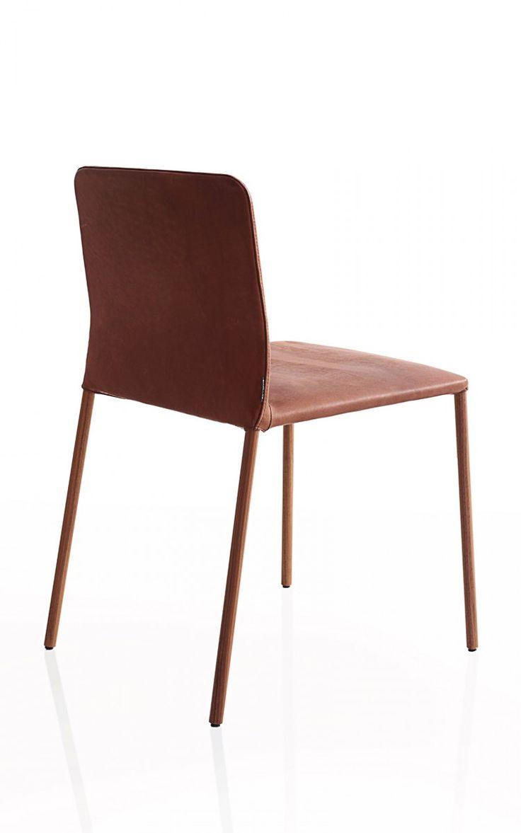 CORBO Ist Der Sessel Unter Den Stühlen. Man Sieht Es Ihm Nicht An, Denn