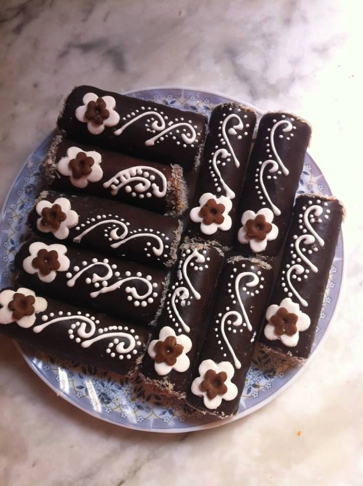 Image Gallery decorated brownies