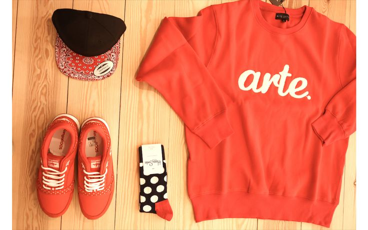 crewneck #arternative sneaker #kangaroos #happysocks #snapback