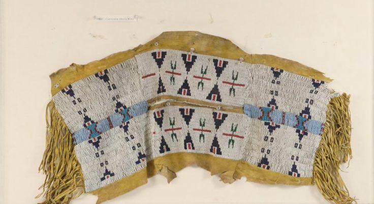 Кокетка, Южные Шайены. Центральная панель сделана раньше, чем две других. Период 1860-х. Колорадо/Оклахома. Источники: Isaacs Gallery Ltd. Торонто, Канада. Thomaston Auction. Ноябрь 2016.