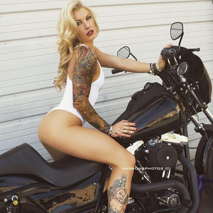 Stephanie Pietz Nude 20