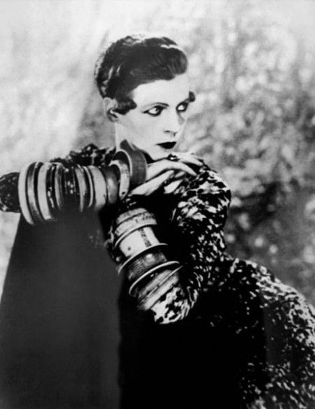 NANCY CUNARD: A RELUCTANT FLAPPER & GUCCI'S UNLIKELY MUSE | Fashion Editor at Large