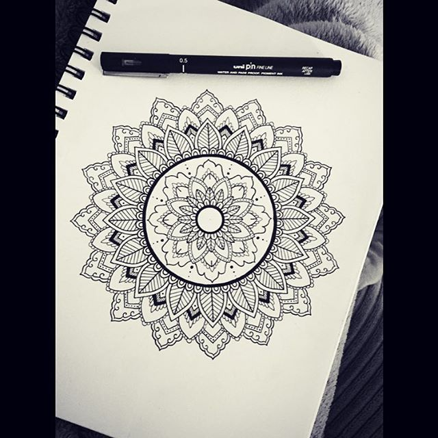Mandala @doodlegalaxy
