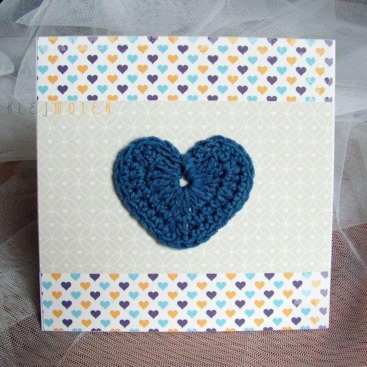 Kartka z szydełkowym sercem