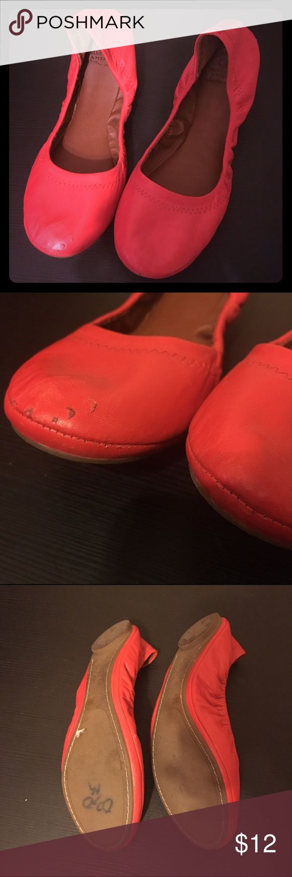Lucky Brand Leather Round Toe Red Ballet Flats Lucky Brand Leather Round Toe Red Ballet Flats, super super cute! Used but in good condition, there are a few scrapes on right shoe, I tried to capture them clearly in the second picture. Lucky Brand Shoes Flats & Loafers