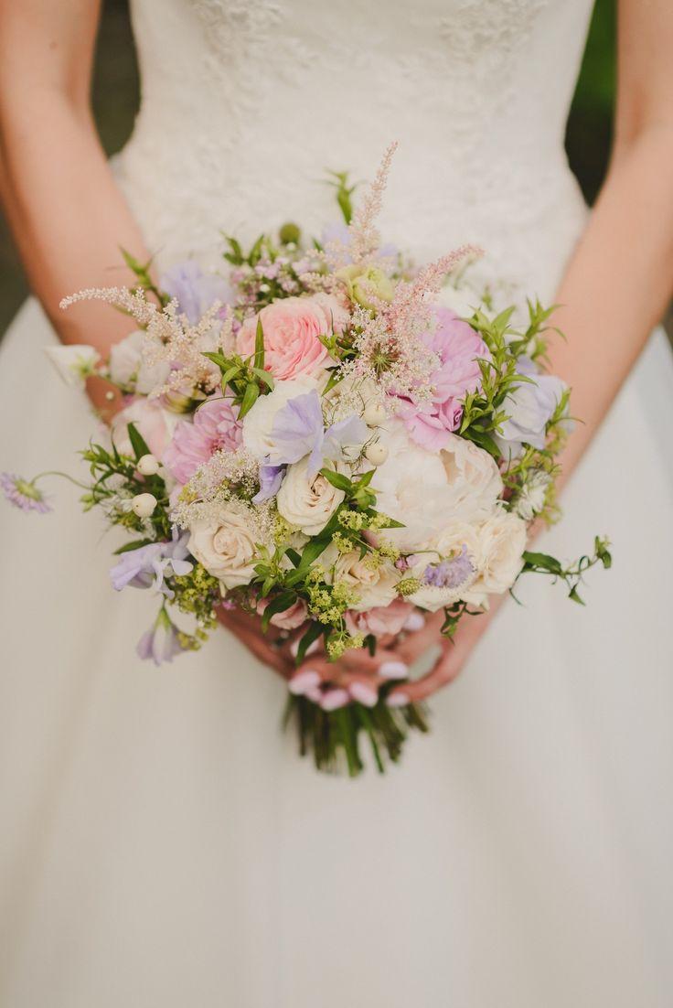 INNA Studio_ bridal bouquet / pastelowy bukiet ślubny / fot. Julia Wojciechowska Fotografia