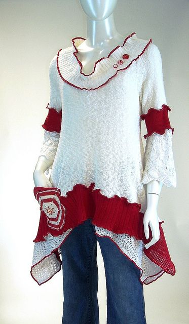 Red and White Peppermint Tunic, Size Medium (8-10-12) by brendaabdullah, via…